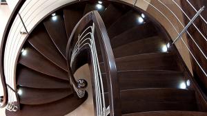 Wechles-Holz-soll-fuer-die-Treppe-verwendet-werden